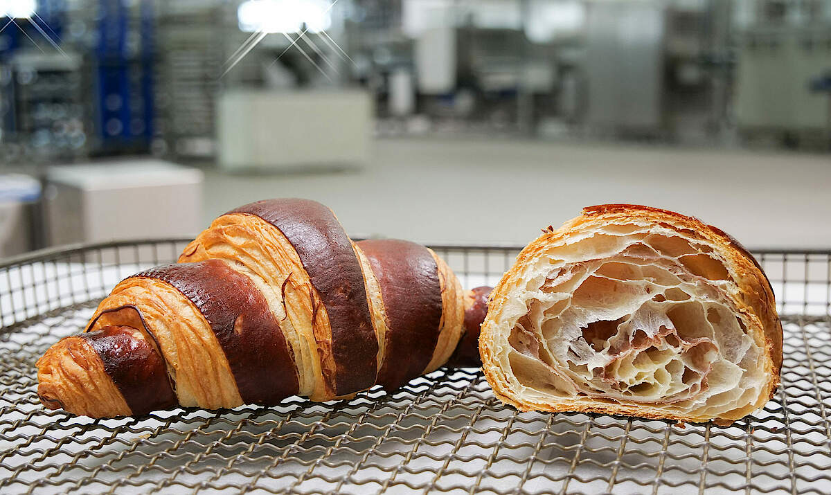 FRITSCH Two-coloured croissant